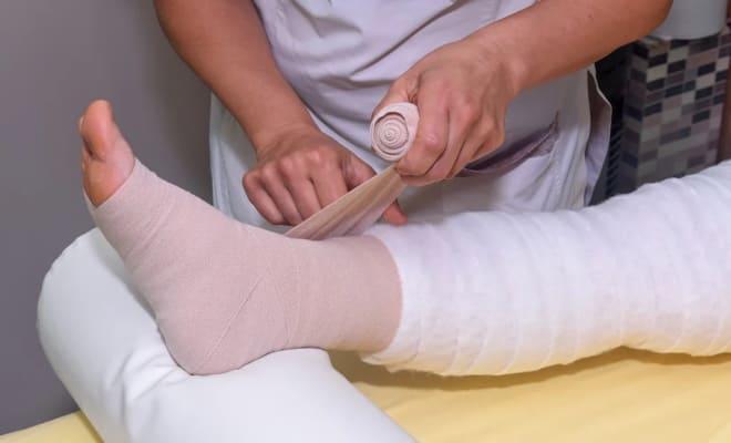 Трикотаж на ногу после операции